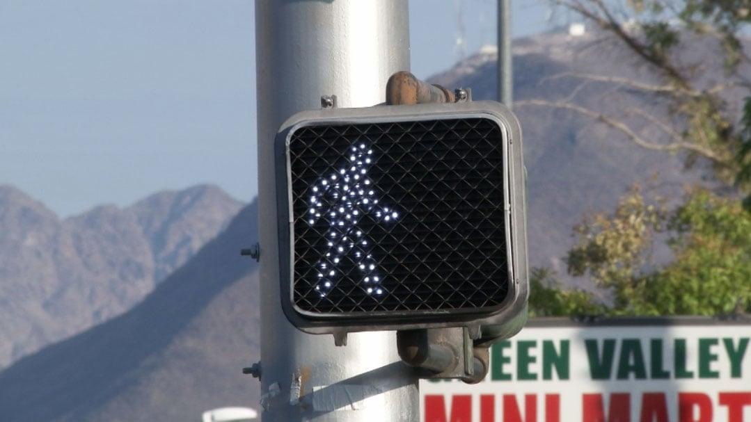 A pedestrian crosswalk signal is shown in Henderson. (Austin Turner/FOX5)
