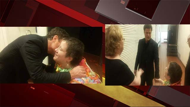 Donny Osmond special visit with fan after show. (John Curtin/Facebook)