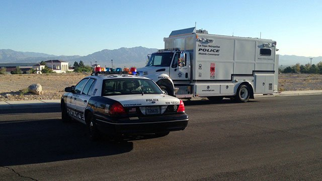 Las Vegas Metro police blocked West Cheyenne Avenue near their Northwest Area Command on Sept. 14, 2016. (Peter Dawson/FOX5)