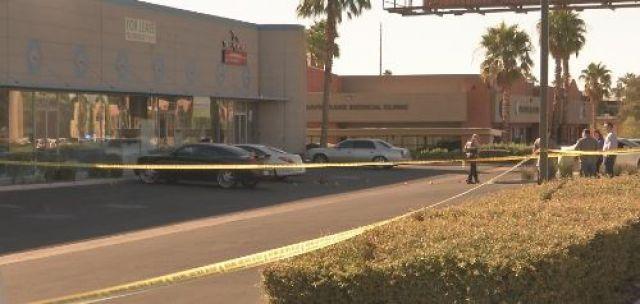 Metro homicide detectives investigating scene near Decatur Blvd. and Flamingo Rd. on Sept. 25, 2016. (Alyssa Deitsch/FOX5)