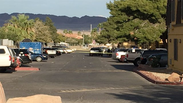 Police investigate the death of a 7-year-old near Boulder Highway and Flamingo Road on Oct. 30, 2016. (Kurt Rempe/FOX5)