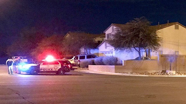 Police searched an area near Tree Line Drive and Charleston Boulevard for an armed man on Jan. 26, 2017. (Jen Hurtado/FOX5)