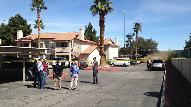 Police at a homicide scene in a northwest Las Vegas neighborhood. (Roger Bryner/FOX5)