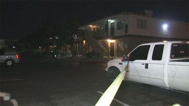 Crime tape at the scene of a homicide in East Sahara Avenue apartments on April 13, 2017. (Luis Marquez/FOX5)