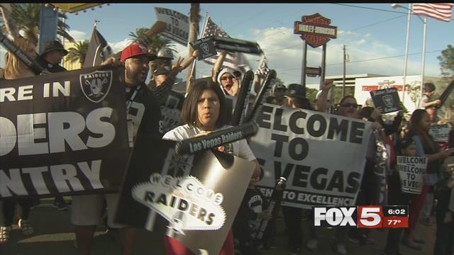 Las Vegas Raiders fans celebrate the news of the team move (FOX5).
