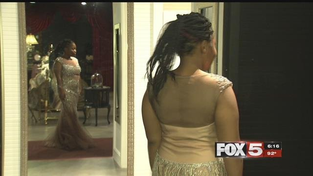 Sharelle Moore tried on prom dresses at Of 79 in Las Vegas. (FOX5)