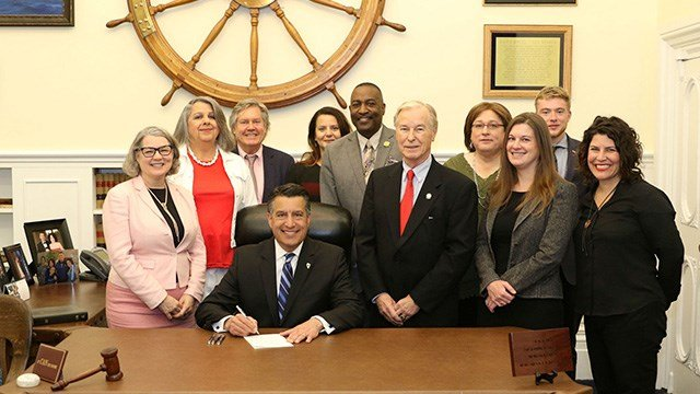Governor Brian Sandoval and Senate Bill 201 Advocates (Source: Office of Gov. Sandoval)