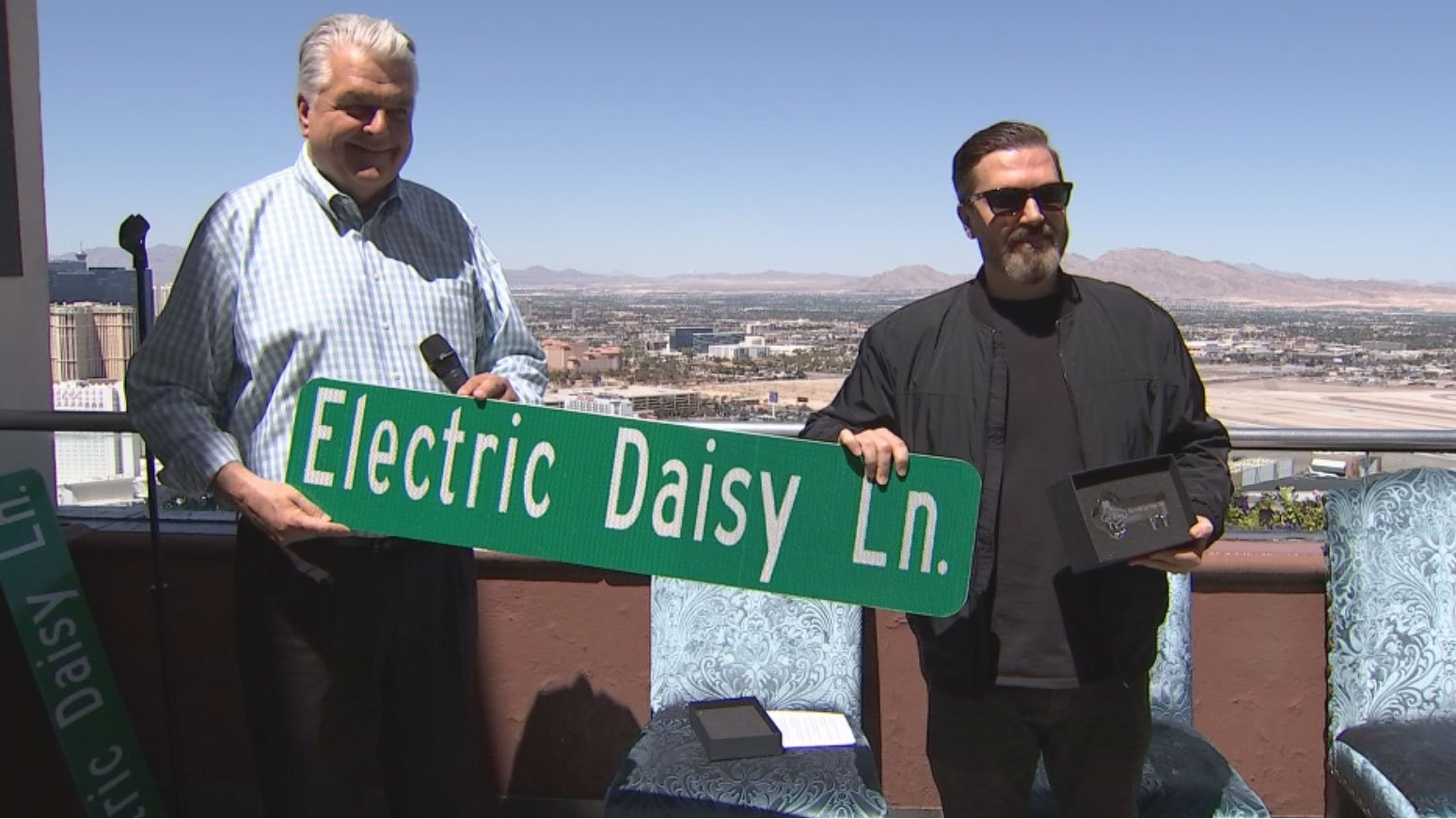 Clark County Commissioner Steve Sisolak present the new sign on June 14, 2017. (Gai Phanalasy/FOX5)