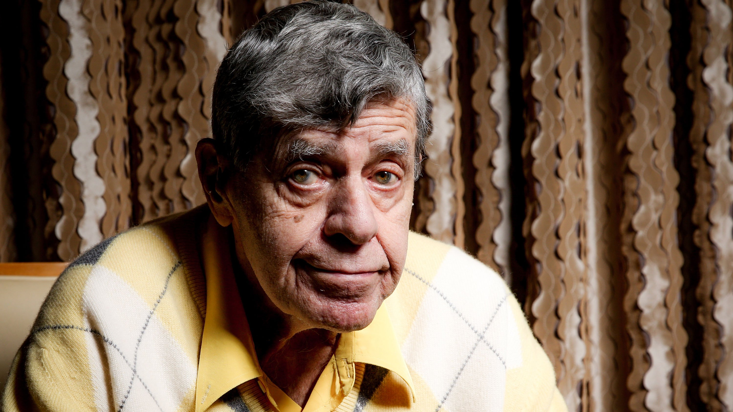 Jerry Lewis reacts during an interview at the Four Seasons Hotel in Los Angeles on Aug, 24, 2016. (AP image)