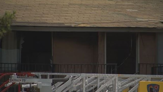 Charleston Garden Apartment building damaged in fire on June 25, 2017. (Austin Turner/FOX5)