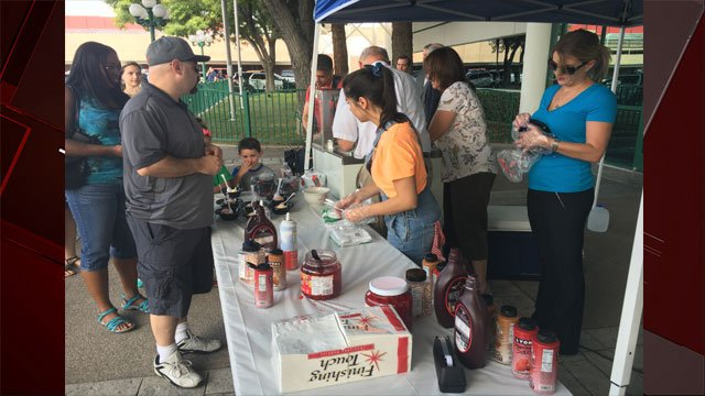 "Residents joined officers for ""Chill with a Cop"" on July 18, 2017. (Peter Dawson/FOX5)"