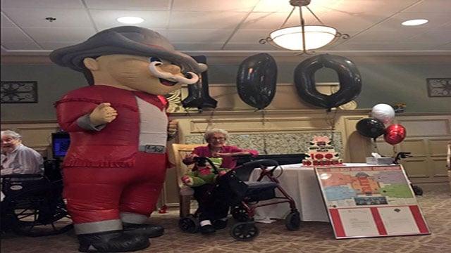 UNLV mascot Hey Reb! joins Helen Kuttum for her 100th birthday celebration (Miguel Martinez-Valle / FOX5).
