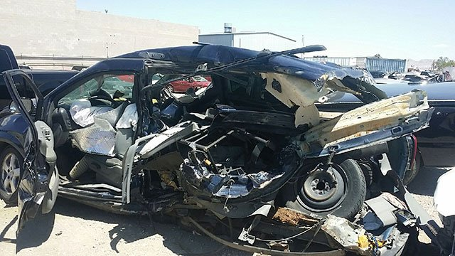 Kathy Dolan's totaled minivan (Billy Dolan / FOX5).