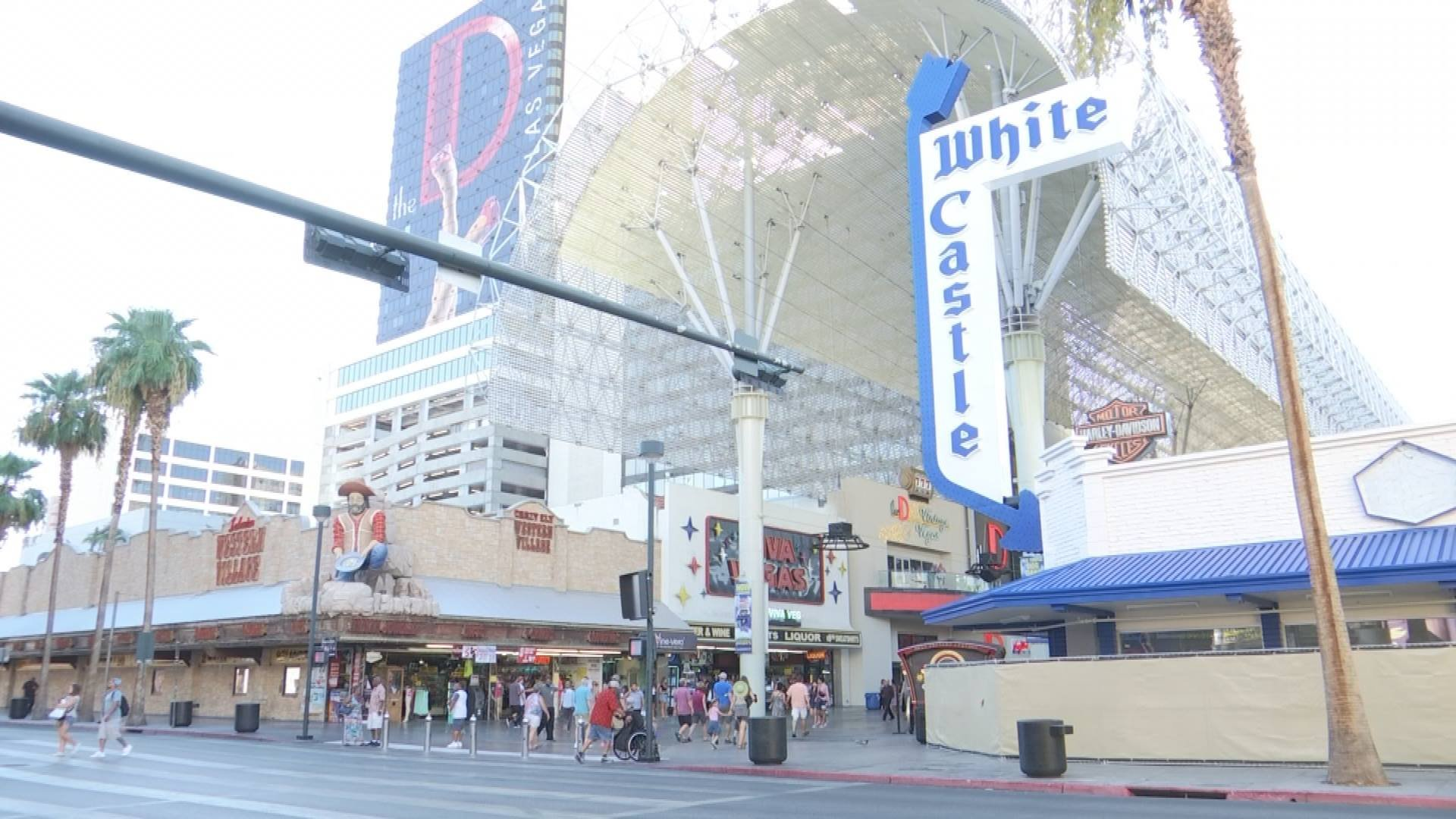 Plans are in the works to bring aWhite Castle restaurant to downtown Las Vegas.(Eric Hilt / FOX5)