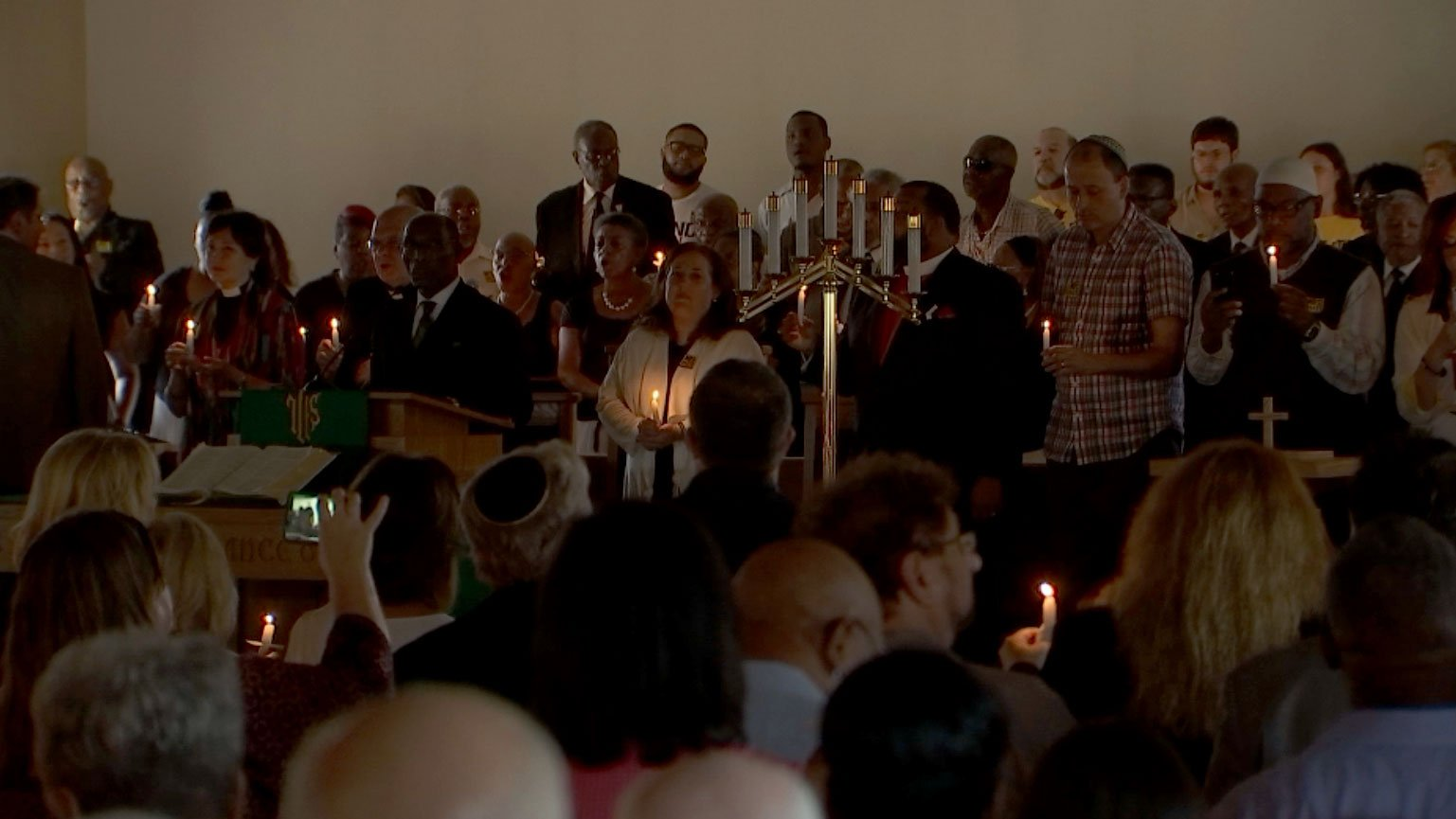 A unity and peace vigil was held on Aug. 21, 2017. (Kathleen Jacob/FOX5)