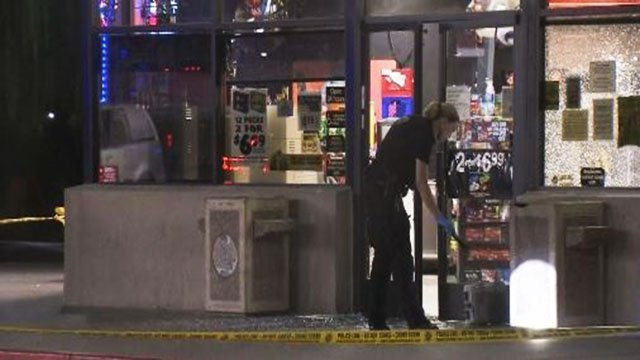 Metro at the scene of an attempted robbery at a convenience store on Eastern Avenue on Aug. 30, 2017. (Luis Marquez/FOX5)