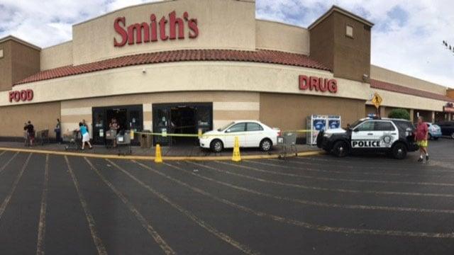 Smith's grocery store on Nellis Boulevard near Stuart Avenue (Kurt Rempe / FOX5).