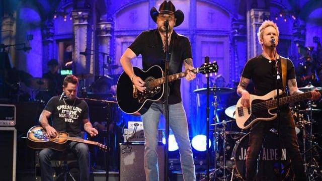 "Jason Aldean performs ""I Won't Back Down"" on ""Saturday Night Live."" (Will Heath/NBC via AP)"