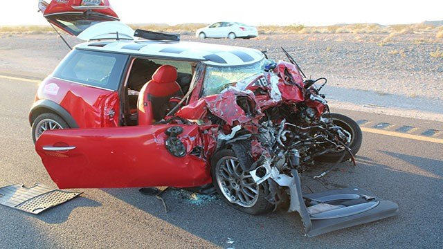 The driver of the Mini Cooper died of his injuries (NHP).