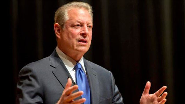 Former U.S. Vice-President Al Gore speaks at McGill University in 2013. (AP/Canadian Press)