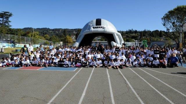 The Raiders held a rally with elementary school kids in Oakland. (Source: Oakland)