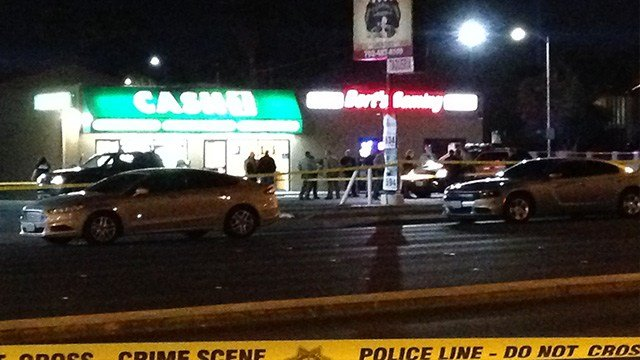 One person is dead in a homicide near Desert Inn Road and Maryland Parkway. (Roger Bryner / FOX5)