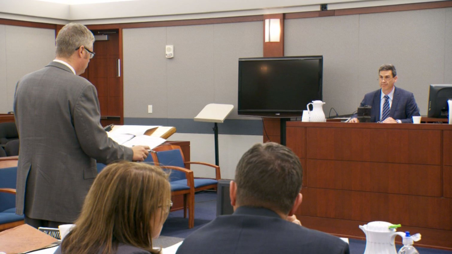 An anesthesiologist testifies during a hearing for Scott Dozier's execution on Nov. 3, 2017. (Jason Westerhaus/FOX5)