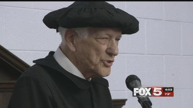 Edward Hall, 94, gives a speech to family and friends after receiving his high school diploma (FOX5).