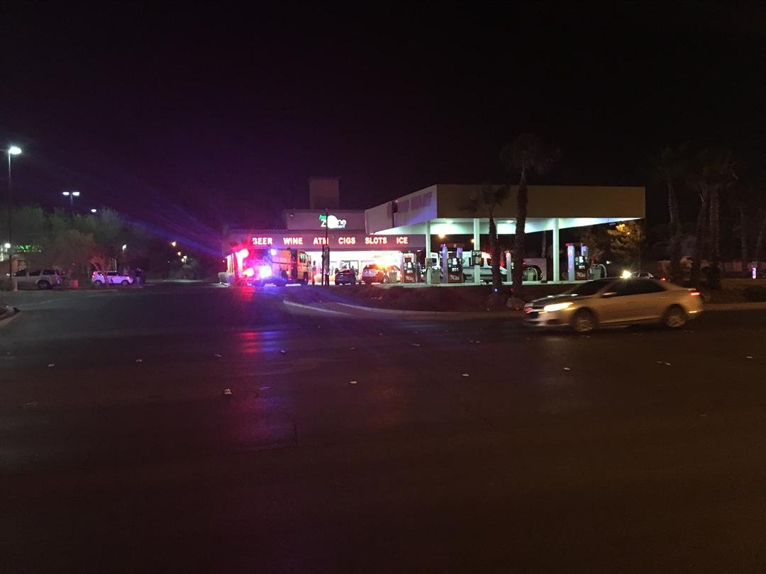 LVMPD respond to 780 East Pyle Avenue (Chris Lee / FOX5).
