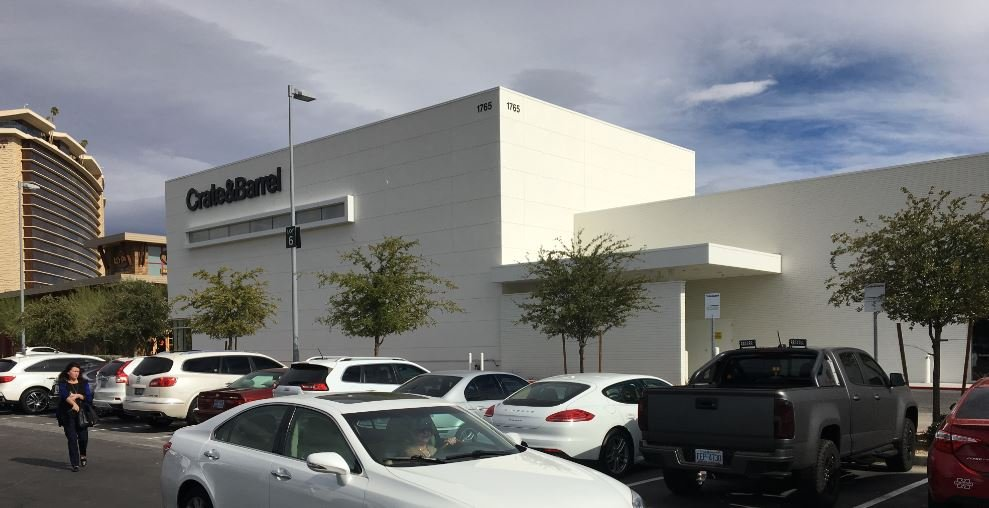 Crate & Barrel Summerlin location exterior on Nov. 16, 2017. (Jason Westerhaus/FOX5)