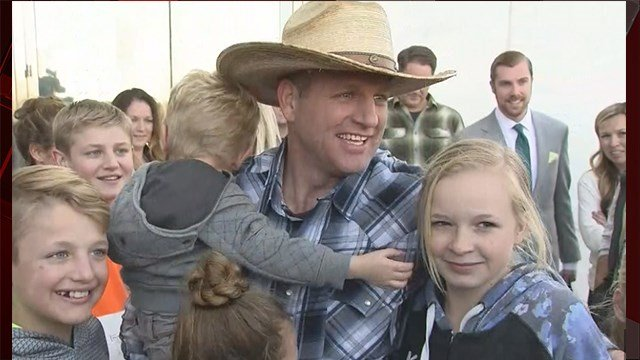 Ammon Bundy is released from federal custody in Las Vegas, NV on Nov. 30, 2017. (FOX5)