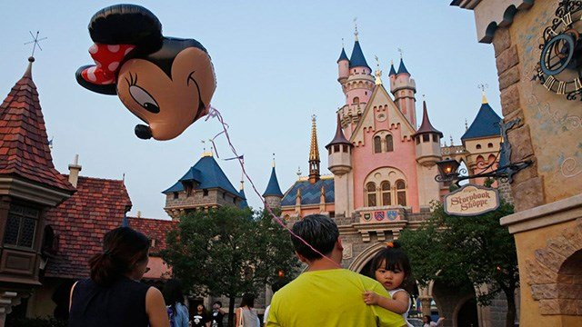 Enter to win the FOX5 Holiday Disneyland Tickets Sweepstakes. (Photo: AP)