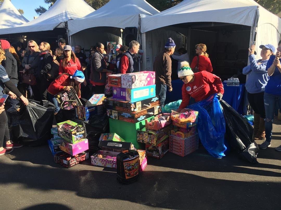 The 98.5 KLUC Toy Drive wrapped up Monday, surpassing record numbers!