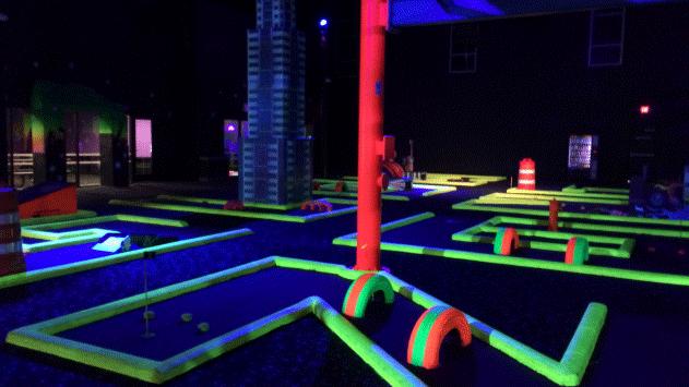 A mini golf course is shown at Glowzone Las Vegas. (Mike Doria/FOX5)