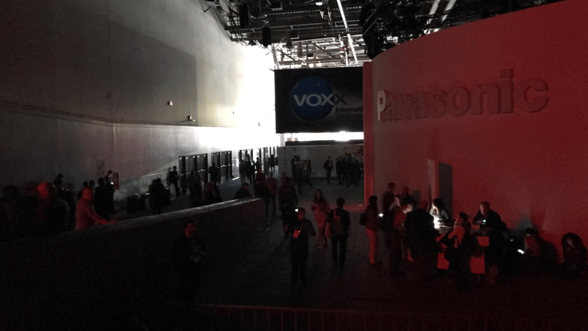 Attendees were left in the dark at the Consumer Electronics Show.  (Source:Jessica Lauren/Facebook)