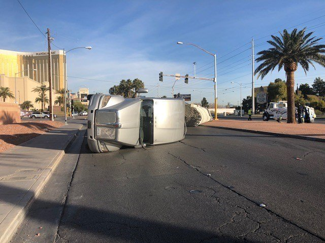 A big rig overturned on Las Vegas Blvd. south of Russell Rd. Jan. 18, 2018 (Photo: Les Krifaton/FOX5)