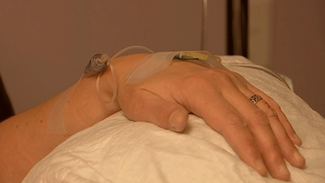 A woman uses IV therapy to help prevent the flu. (Brad Boyer/FOX5)
