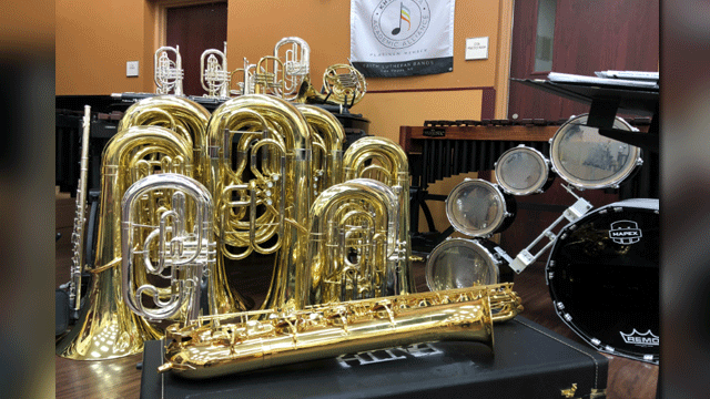 New instruments were part of an upgrade to a program at Faith Lutheran. (Mike Doria/FOX5)