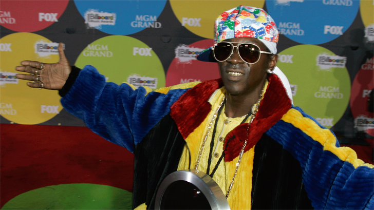 Flavor Flav arrives for the Billboard Music Awards in Las Vegas, Monday, Dec. 4, 2006. (AP Photo/Chris Carlson)