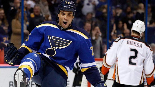 Ryan Reaves was traded from the Penguins to the Golden Knights Friday. (Photo: Jeff Roberson / AP)