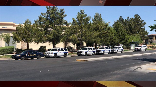 Henderson Police responded to a man with a gun near Whitney Ranch and Russell Road. (Photo: JayBlackLV/Twitter)