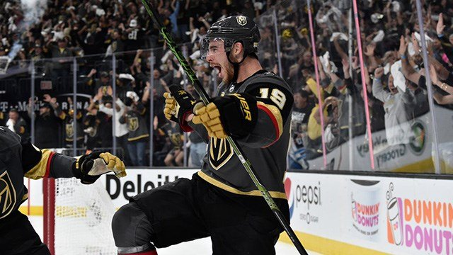 Reilly Smith scored on a breakaway late in the third period to lead the Vegas Golden Knights to a 3-2 victory over the Winnipeg Jets in Game 4 of the Western Conference final Friday night. (Photo: Vegas Golden Knights)