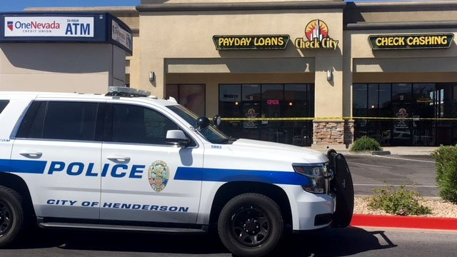 Henderson police investigate an armed robbery on May 29, 2018. (Eric Green/FOX5)