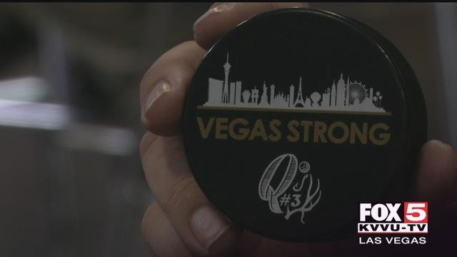 Kenny Johnsondecided to pay tribute to the 1 October victims, and sell unique hockey pucksto other fans.(Eric Hilt / FOX5)