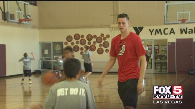 Zach Collins just completed his rookie season in the NBA, and Tuesday, he hosted his first-ever basketball camp. (FOX5)