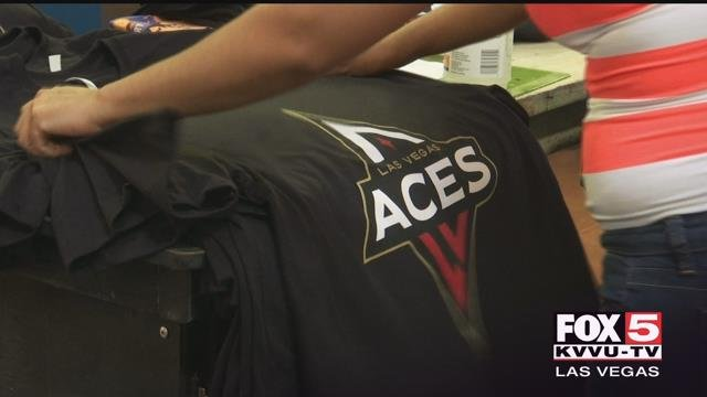 Off the court, the Aces teamed up with a valley business to get fans hyped up. (Tiana Bohner/FOX5)