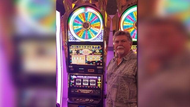 A man identified as Michael won more than $1 million at Harrah's Las Vegas on July 27, 2018. (Harrahs/Twitter)