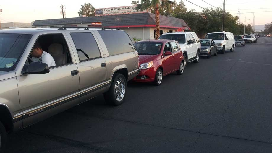 About 150 cars lined up at the Speedee Mart for cheap gas on Sept. 20, 2012 (Stefanie Jay/FOX5)