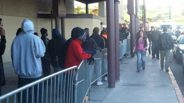 People line up outside Cashman Center before the one-day Project Homeless Connect event. (Stefanie Jay/FOX5)