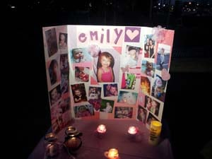 Dozens gathered to remember 3-year-old Emily Kay on Thursday. (Doug Johnson/FOX5)